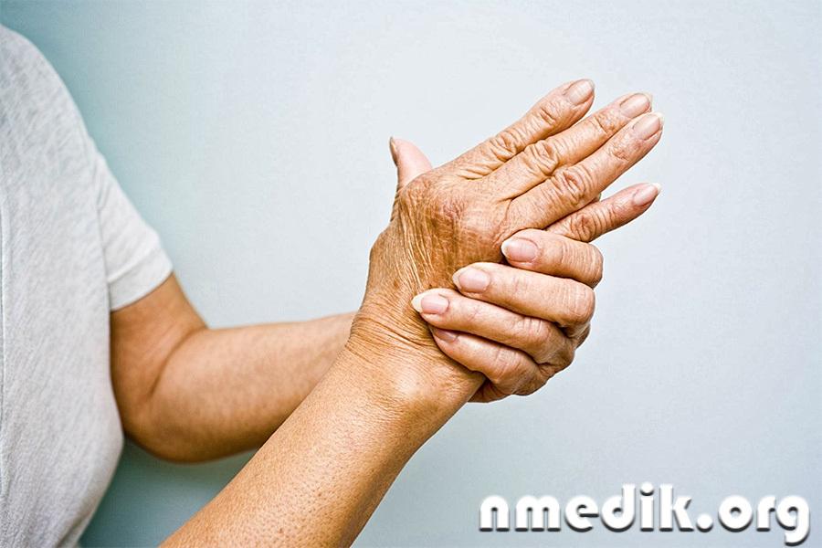 Лечение полиартрита коленных суставов озокеритом хоккеист суставов олег